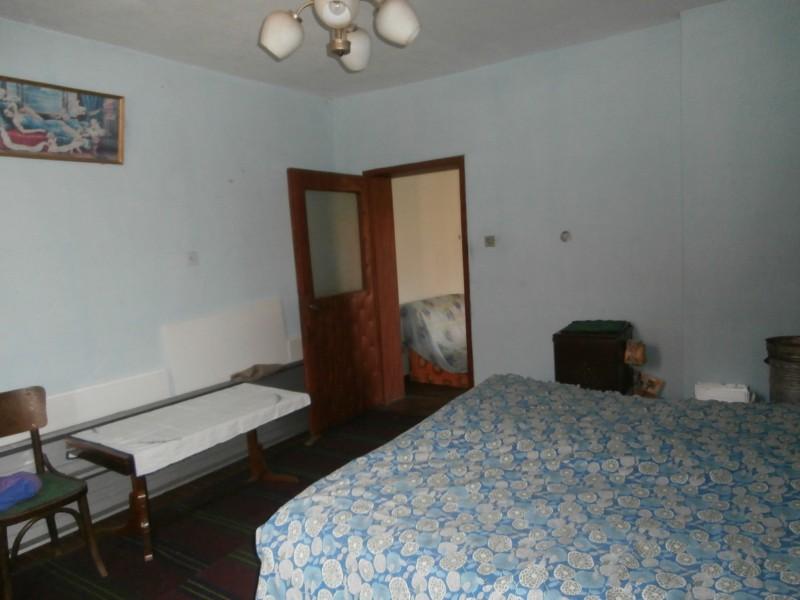 Два етажа от къща в град Пазарджик