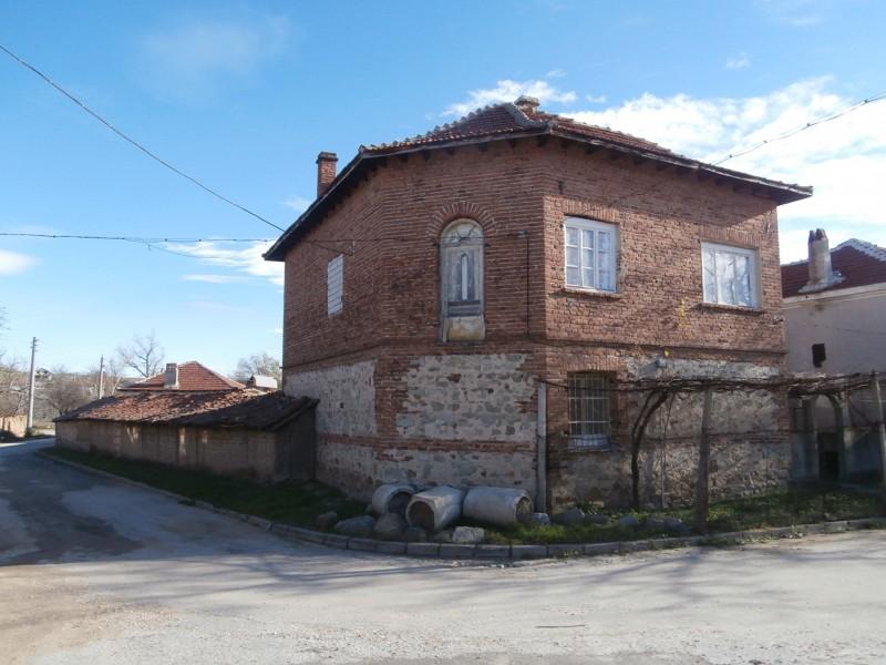 Къща в село Априлци