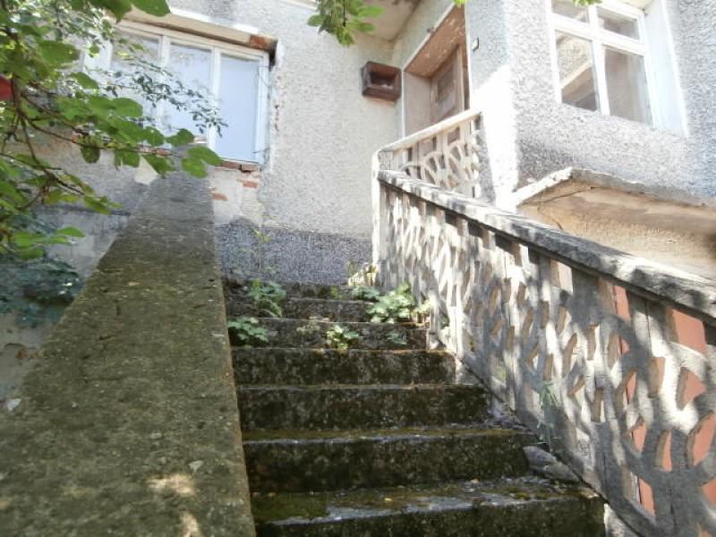 Къща в село Дъбравите