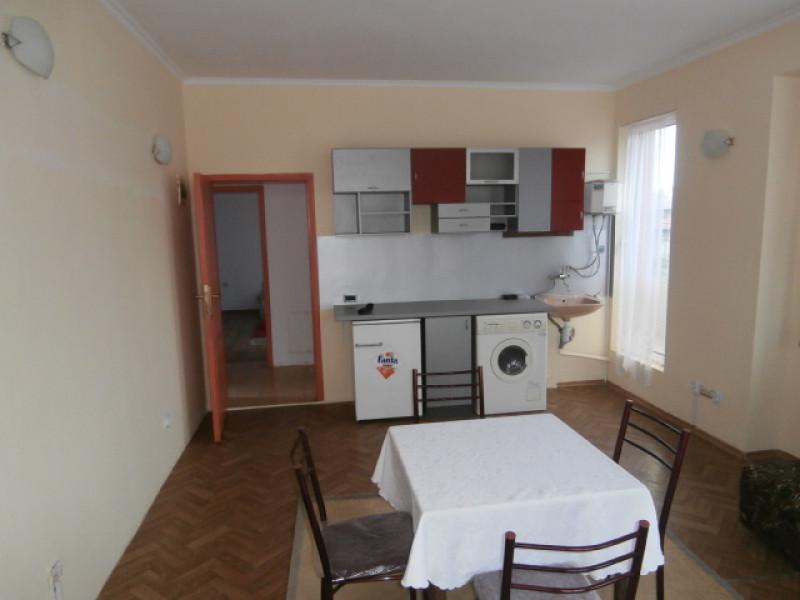 Тристаен апартамент под наем гр.Пазарджик