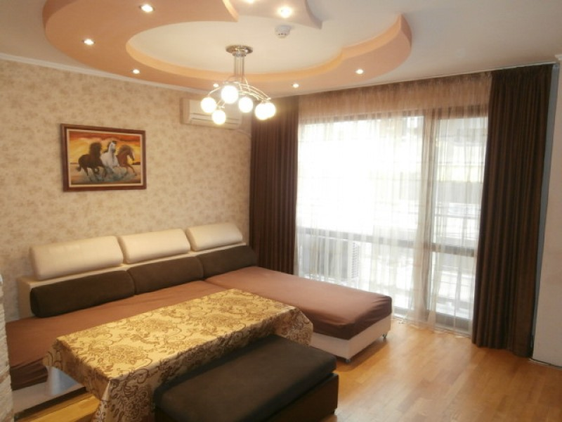 Тристаен апартамент под наем в Пазарджик
