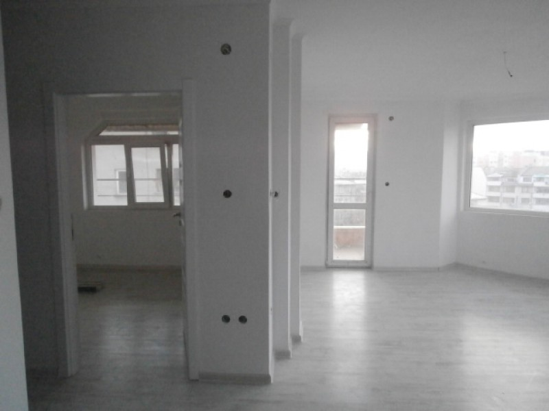 Тристаен апартамент в Пазарджик
